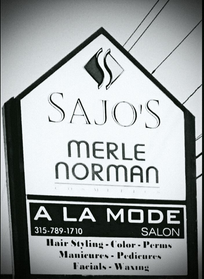 A La Mode Salon@ Sajos